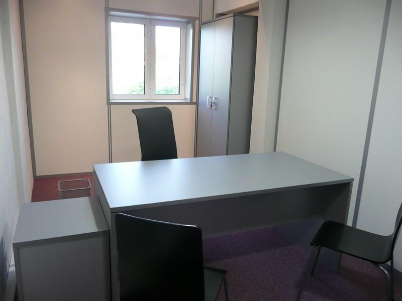 je cherche louer un bureau quip de 10 15 m2 secteur vitrolles 13127 location de bureaux. Black Bedroom Furniture Sets. Home Design Ideas